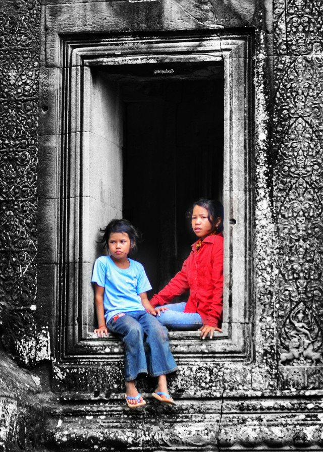 #childrens  #photography  #cambodia  #emotions  #oldbuilding  #future and past #architecture  #angkor_wat